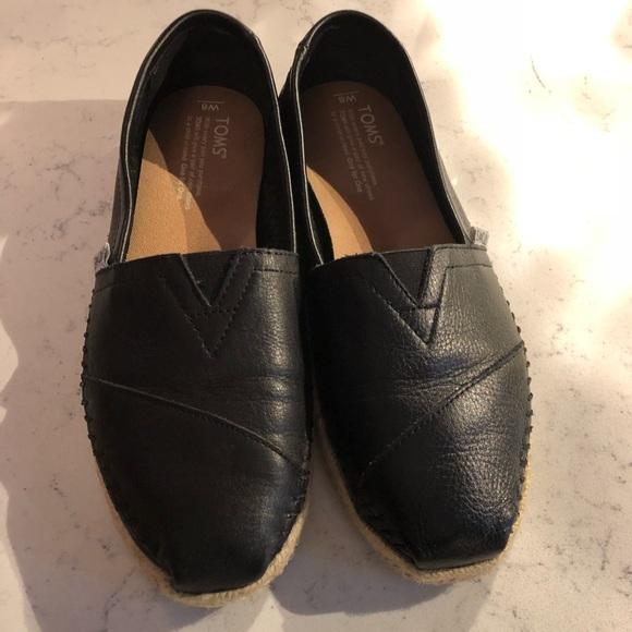 a40441cbfee TOMS black leather espadrilles. M 5ad26978a44dbeac5ecc40f0
